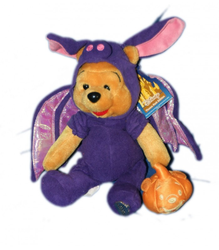 collector 2002 doudou peluche winnie l 39 ourson halloween chauve souris h 22 cm disney disneyland. Black Bedroom Furniture Sets. Home Design Ideas