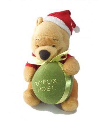 Doudou winnie l 39 ourson boule joyeux no l disney disneyland - Winnie l ourson noel ...